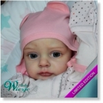 300215 - Dollkit 21  - Chloe - UITVERKOCHT